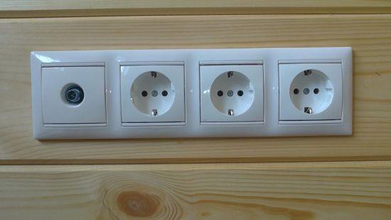 Как проводится замена розеток и выключателей в помещении